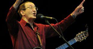 Meriem News rend hommage à Idir, Chanteur, Musicien et l'Ambassadeur de la chanson Kabyle.